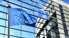 Bandera de Europa frente al Parlamento Europeo. (Foto: Getty)