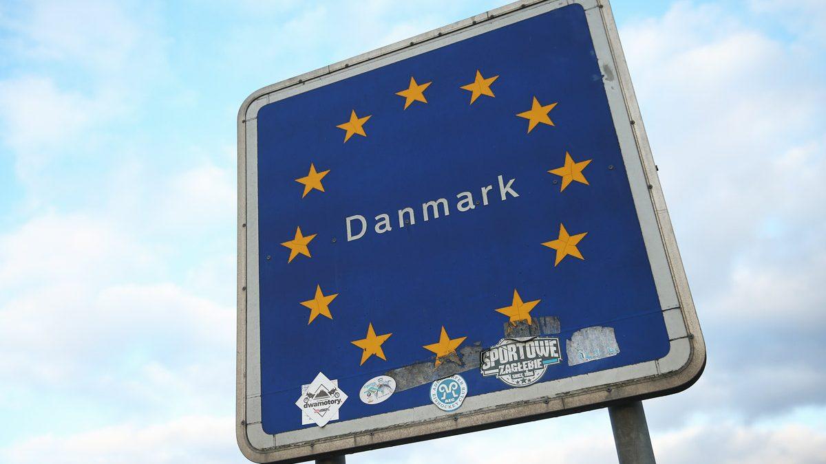 Señal que marca la frontera con Dinamarca. (Foto: Getty)
