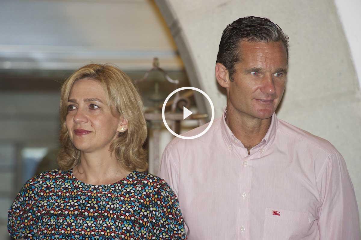 La infanta Cristina y su marido, Iñaki Urdangarin, en el Club de Regatas de Palma en agosto de 2014 (Foto: Getty/Carlos Álvarez)