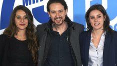Noelia Vera, junto a Pablo Iglesias e Irene Montero (Foto: Getty)