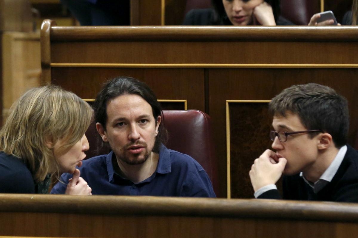 Tania Sánchez, Pablo Iglesias e Íñigo Errejón, el miércoles en el Congreso de los Diputados (Foto: Efe)