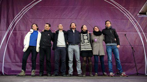 Iglesias, Monedero, Errejón y otros dirigentes de Podemos, en un acto electoral (Foto: Getty)