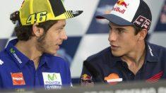 Rossi y Márquez se encaran en una rueda de prensa.