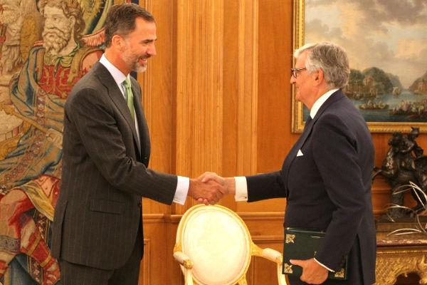 Felipe VI recibe en audiencia a Eduardo Torres-Dulce, en septiembre de 2014 (Foto: Casa Real)