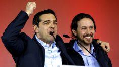 Alexis Tsipras, junto con Pablo Iglesias en un mitin de Syriza.