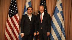 Alexis Tsipras junto a Joe Biden en Davos. (Foto: @tsipras_eu)