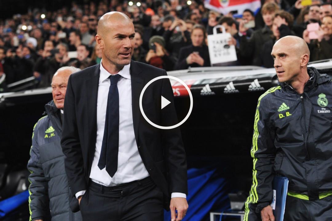 Zidane, junto a Herrerín y Bettoni en su debut.