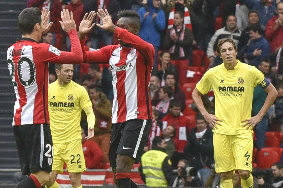 Aduriz y Williams celebran uno de los goles del Athletic. (EFE)