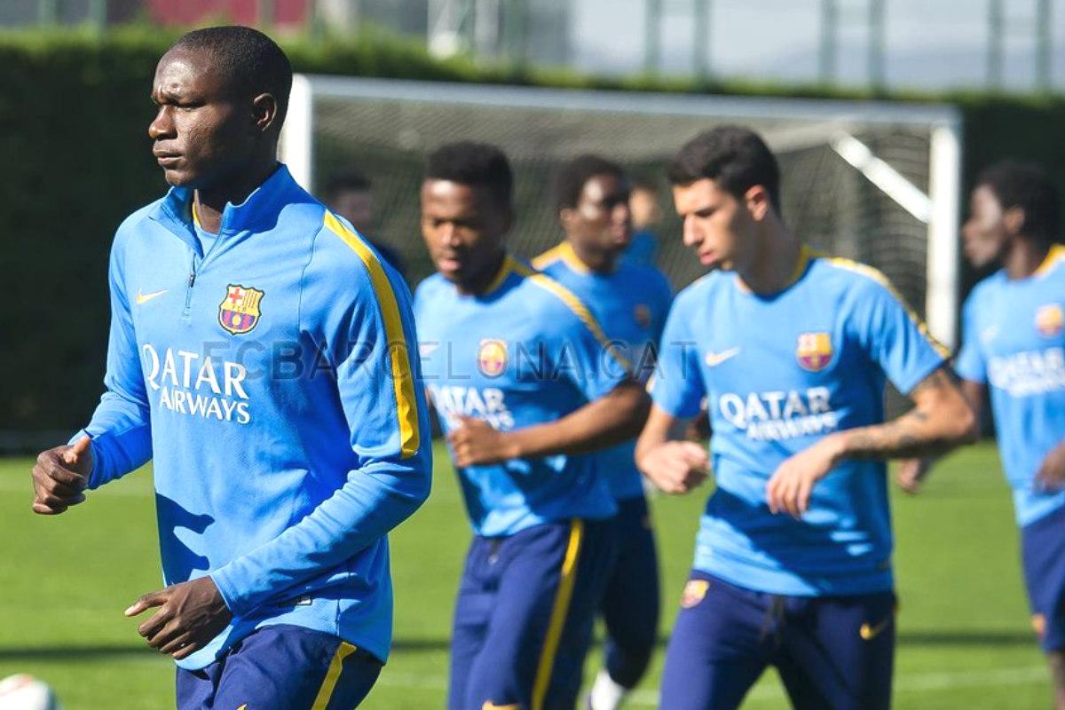 El Barcelona B, en un entrenamiento de esta temporada.