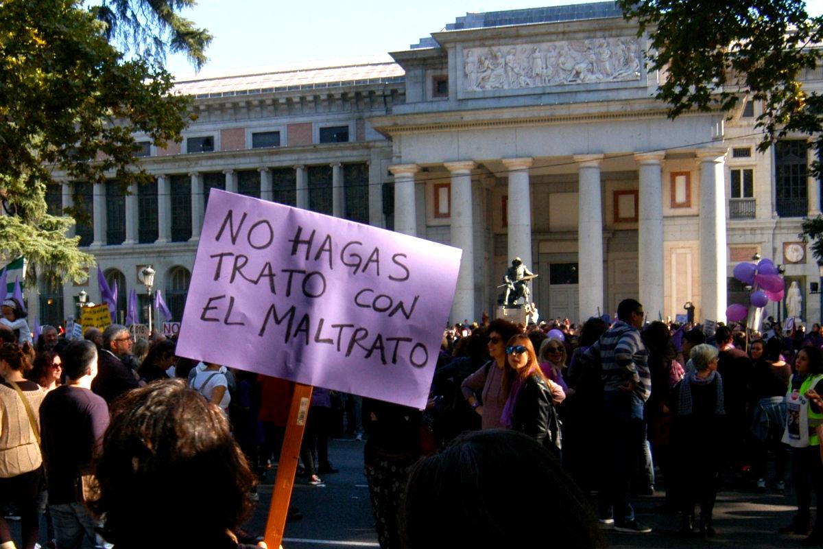 Imagen de cientos de personas denunciando la violencia doméstica en una manifestación en el mes de noviembre en Madrid. (Foto: Getty)