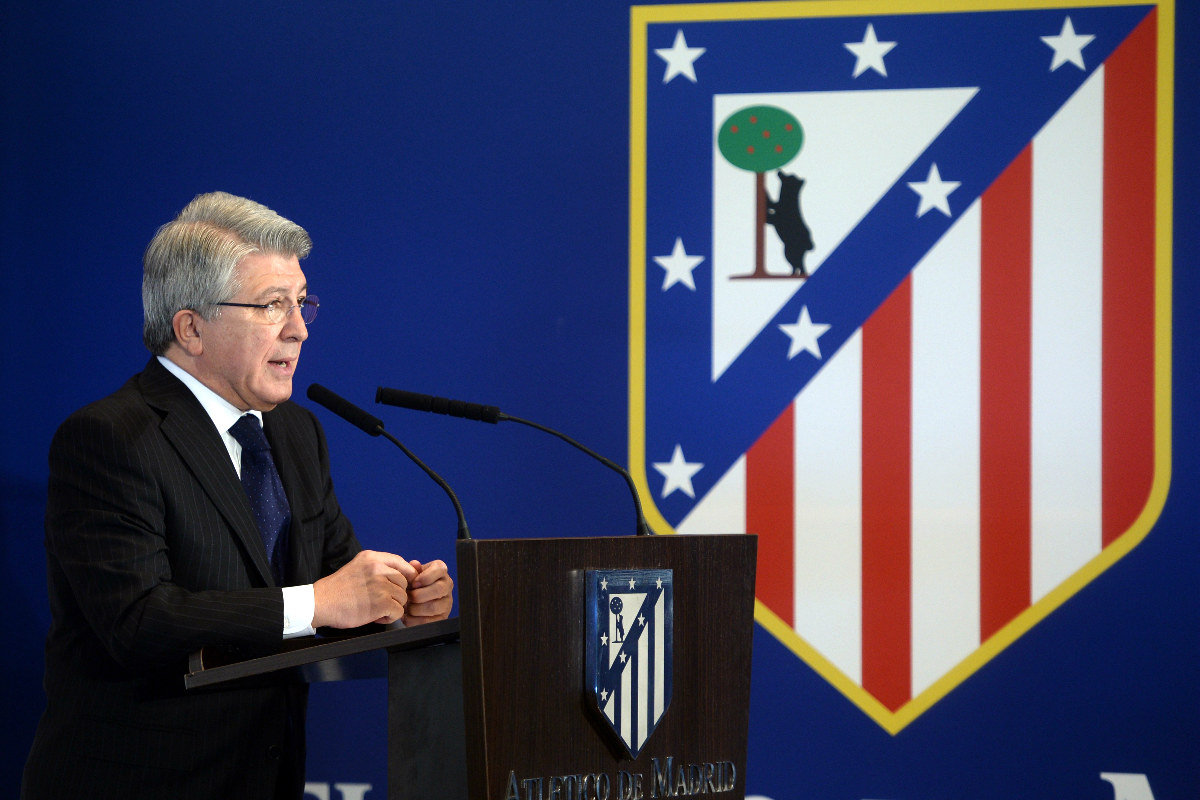 Enrique Cerezo durante una comparecencia de prensa. (Getty)