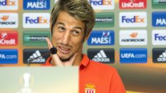 Coentrao, en una rueda de prensa con el Mónaco. (AFP)