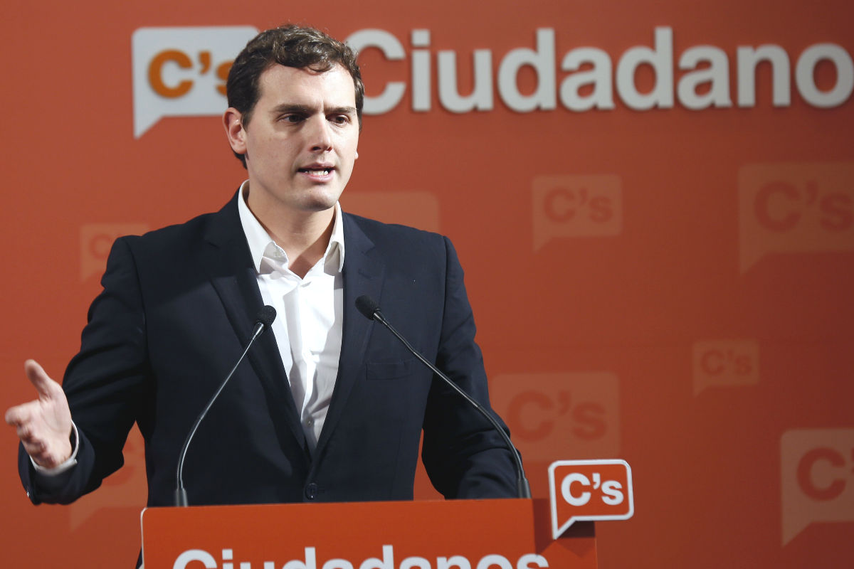 El presidente de Ciudadanos, Albert Rivera, durante una rueda de prensa (Foto: Efe).