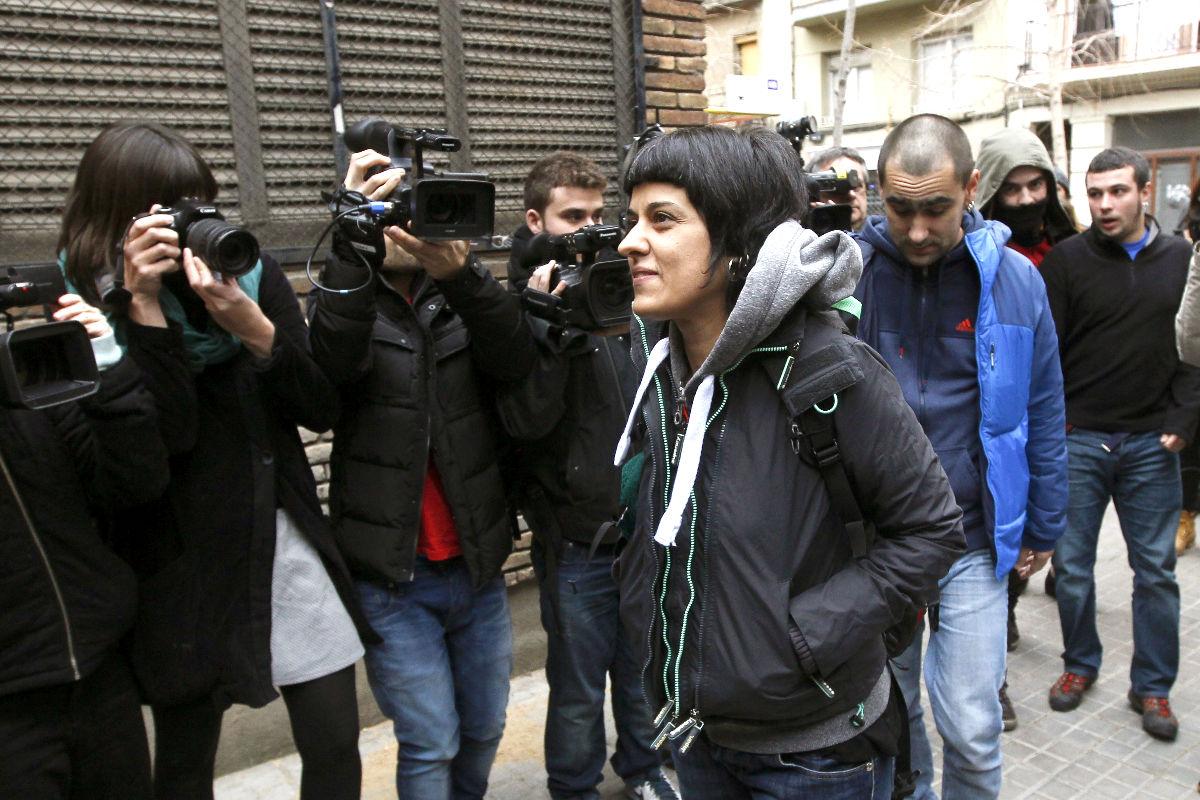 La portavoz de la CUP, Anna Gabriel, a su llegada a la reunión del Consejo Político (Foto: Efe).