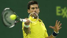 Novak Djokovic durante el partido ante Nadal en el Open de Qatar. (AFP)