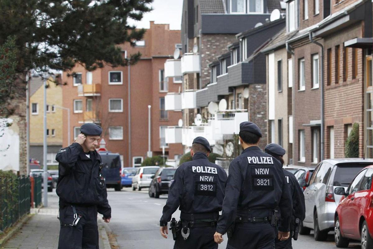 Los autores fueron detenidos antes de que la acción pasara a mayores. (Foto: Policía de Dortmund)