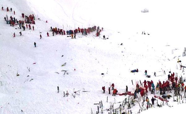 Al menos tres muertos y dos heridos graves por una avalancha en los Alpes