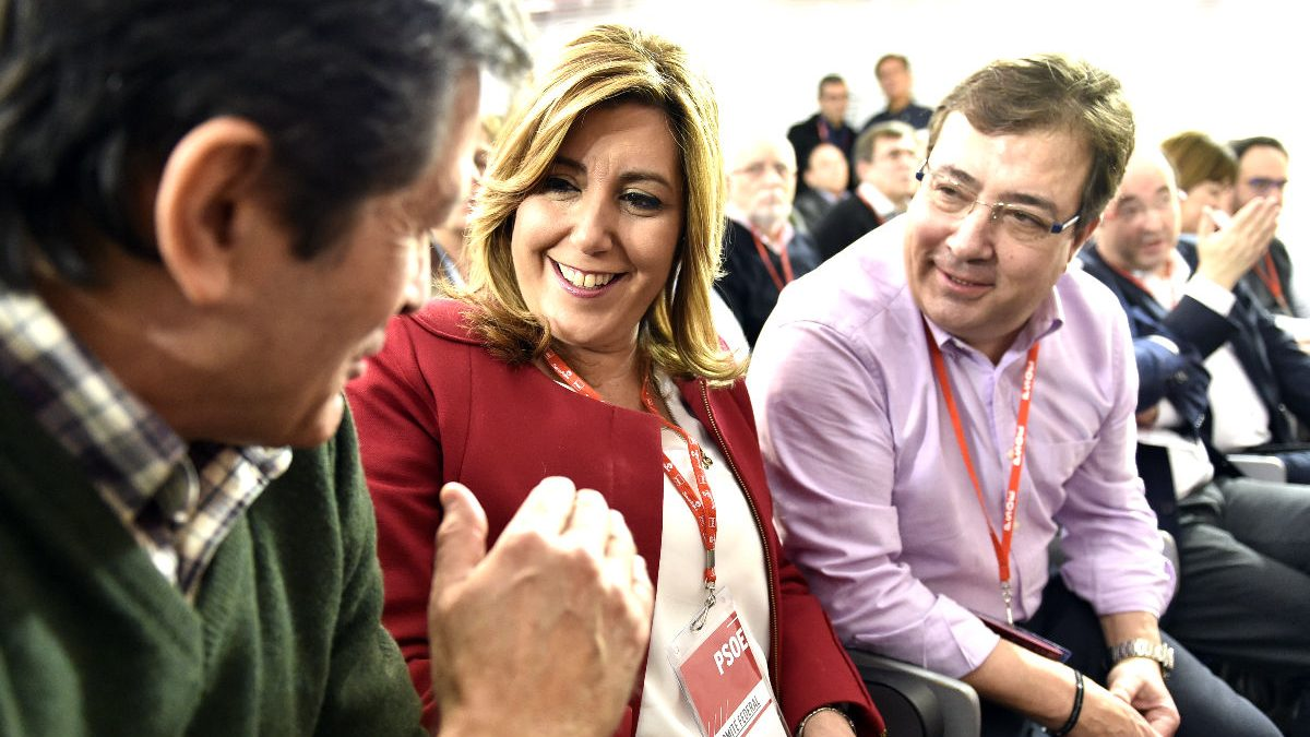 Javier Fernández, Susana Díaz y Fernández Vara en un Comité Federal (Foto: AFP).