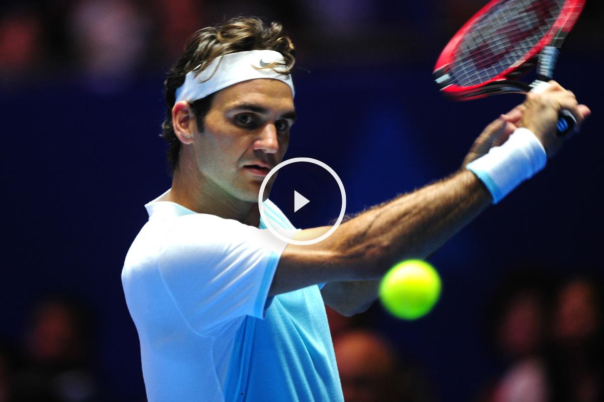 Federer dejó sentado a su rival con el punto de la jornada. (AFP)