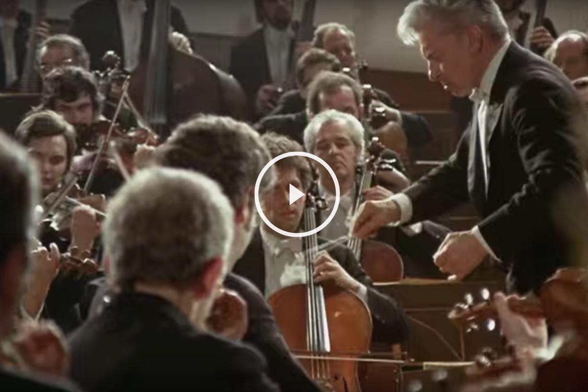 La Filarmónica de Berlín dirigida por Herbert von Karajan.