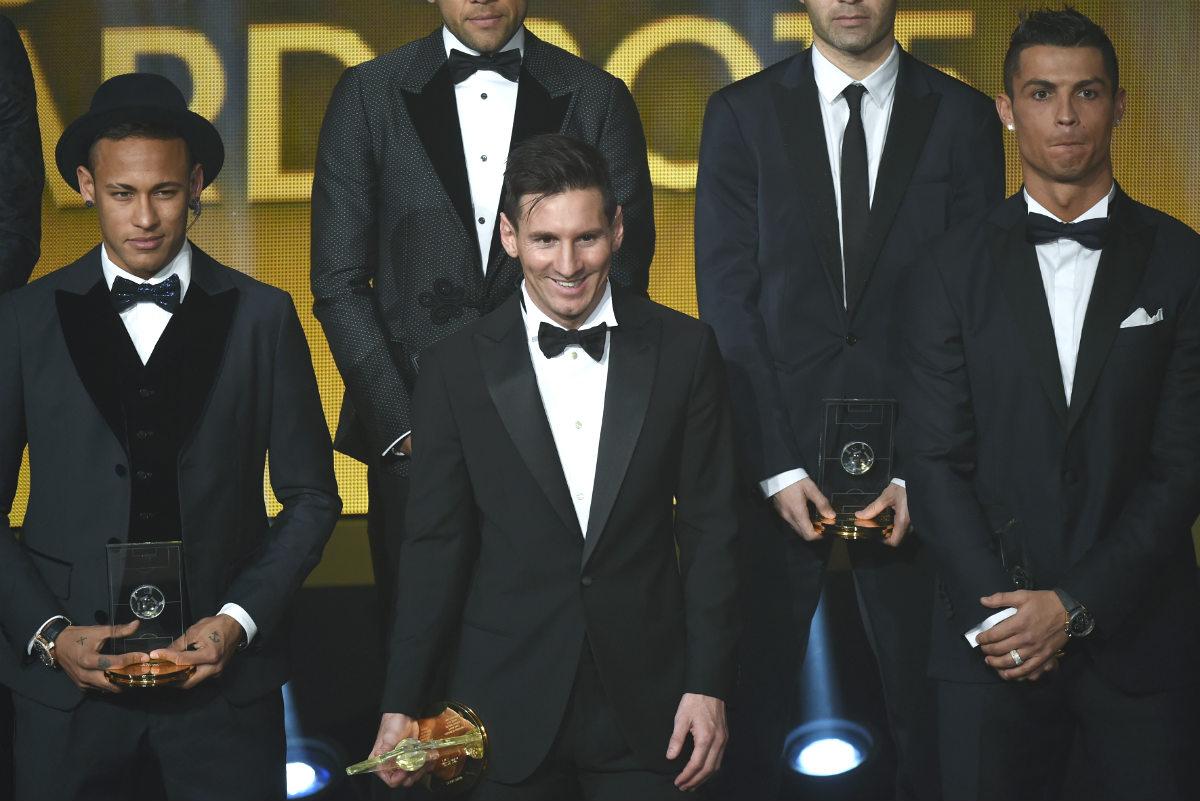 Leo Messi, junto a Neymar y Cristiano en la gala de la FIFA. (AFP)