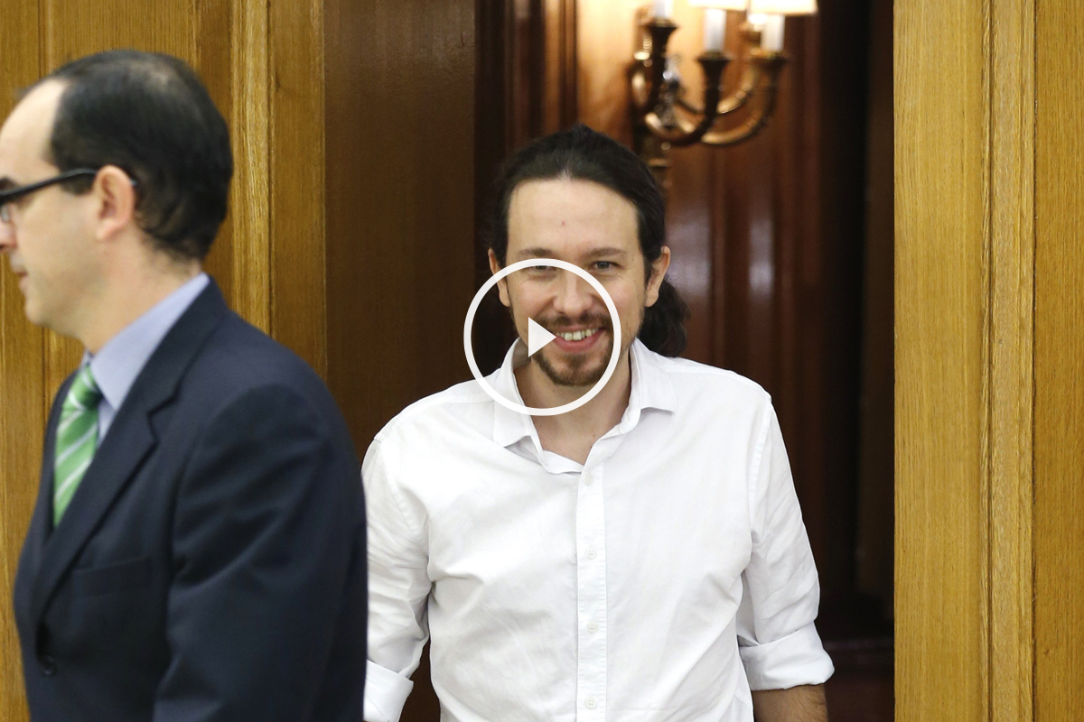 Pablo Iglesias a su llegada a Zarzuela. (Foto: EFE)