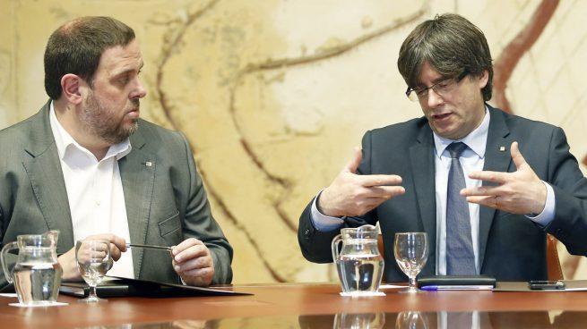 ERC y la CUP discutieron con Puigdemont para incluir 'república' en la pregunta del referéndum