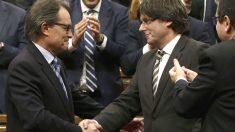 Artur Mas y Carles Puigdemont. (Foto: EFE)