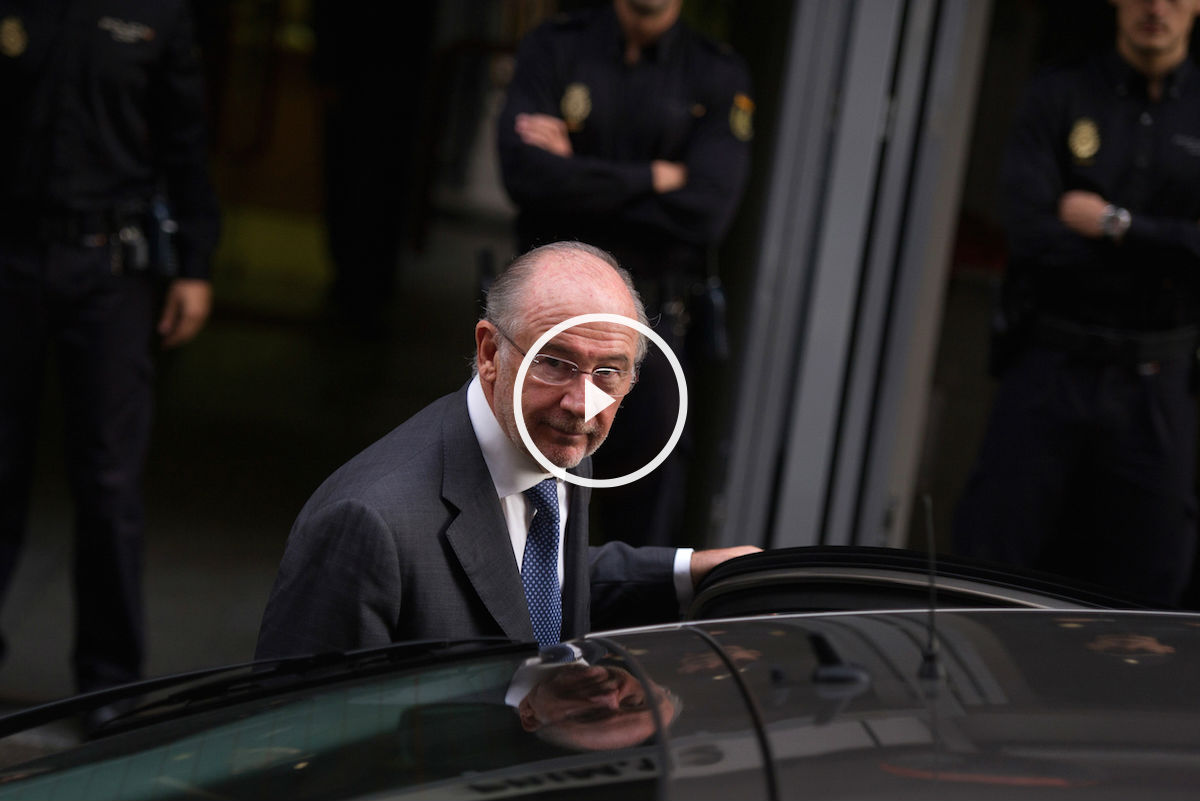 Rodrigo Rato entra en su coche (Foto: Getty).
