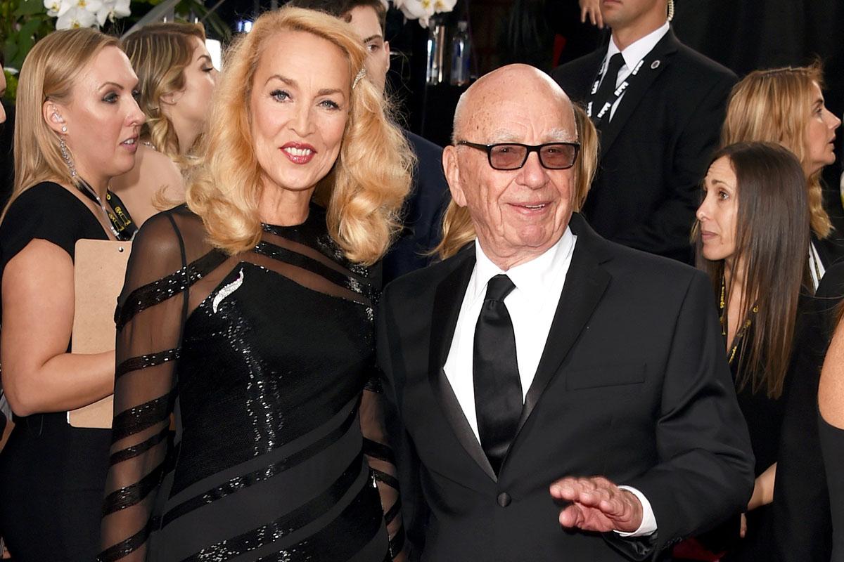 Murdoch y Hall este domingo en los Globos de Oro. (Foto: AFP)
