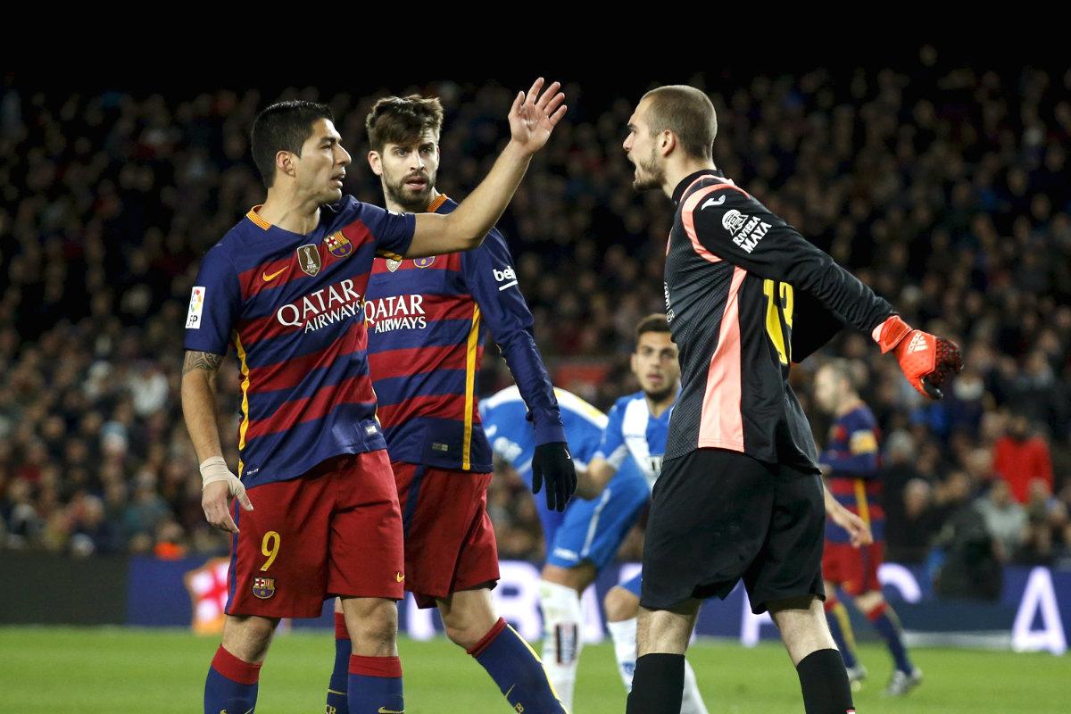 Luis Suárez no estará en Cornellà. (Reuters)