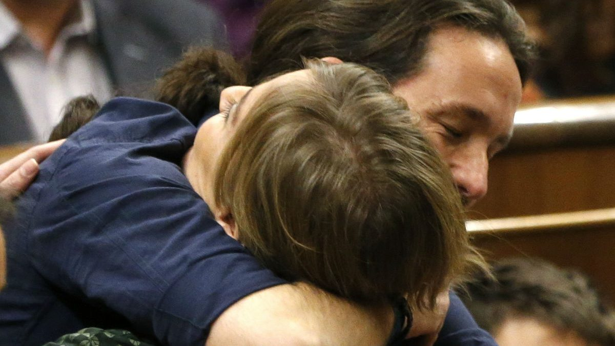 Pablo Iglesias y Tania Sánchez. (Foto: EFE)
