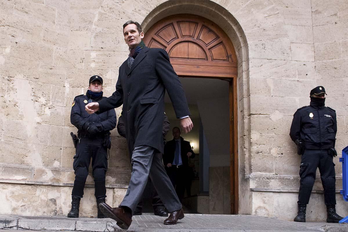 Urdangarin saliendo de los juzgados de Palma. (Foto: Getty)