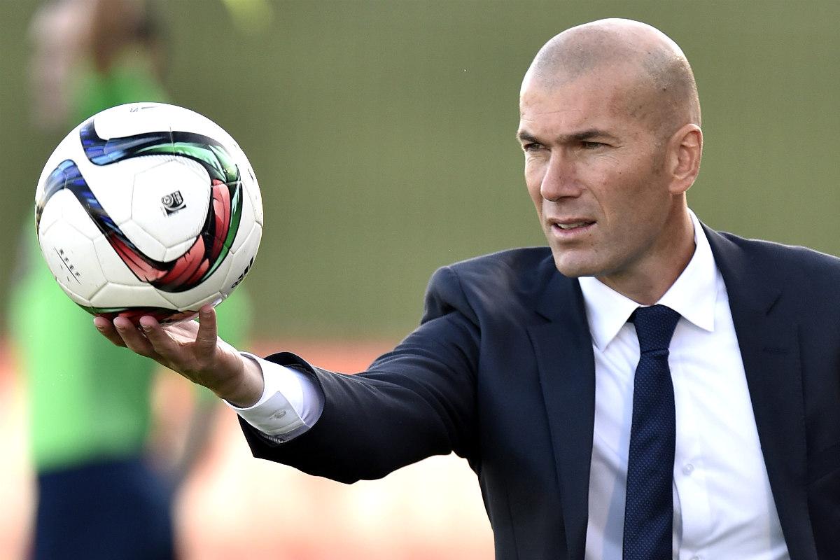 Zidane, en un partido con el Castilla. (AFP)