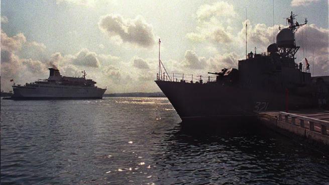 La OTAN acepta, se implicará con 3 buques de guerra en la crisis de los refugiados