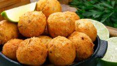 Receta de Buñuelos de bacalao sin gluten con salsa de pimientos