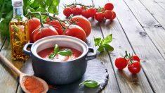 Receta de Sopa de tomate y hierbas aromáticas