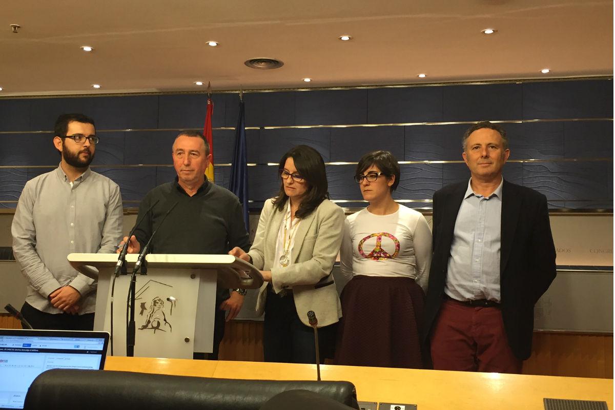 Rueda de prensa de Compromís en el Congreso. (Foto: Nuria Val)