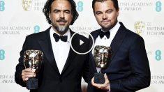 Alejandro González Iñárritu y Leonardo DiCaprio con sus BAFTA (Foto: Reuters)