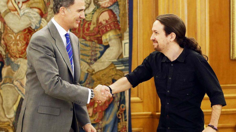 Pablo Iglesias y Felipe VI. (Foto: EFE)