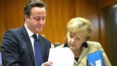 David Cameron conversa con Angela Merkel. (Fuente: Comisión Europea)