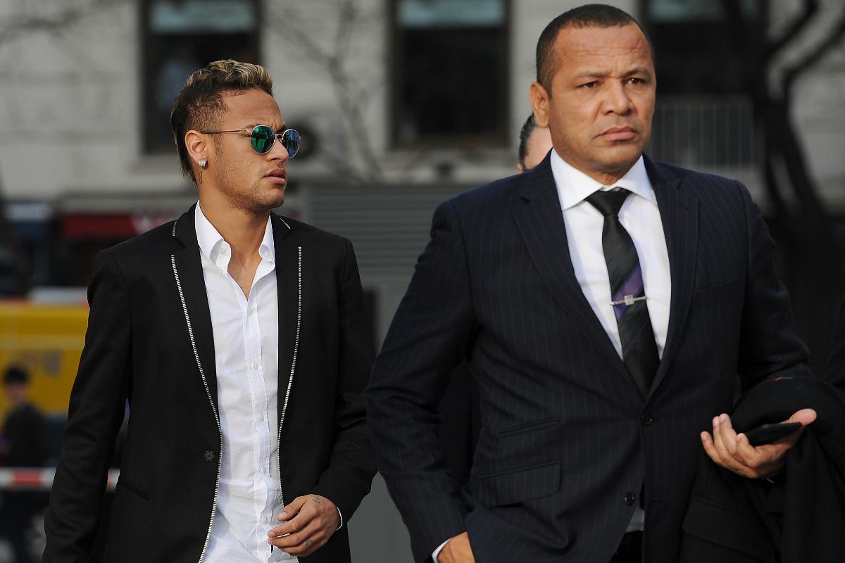 Los Neymar entran en la Audiencia Nacional. (Getty)