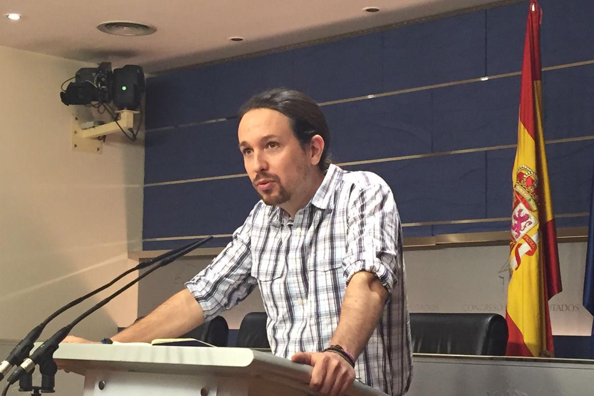 Pablo Iglesias en rueda de prensa en el Congreso. (Foto: Nuria Val)