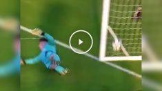 Imagen del penalti anulado al Valencia en la Youth League que sí entró.