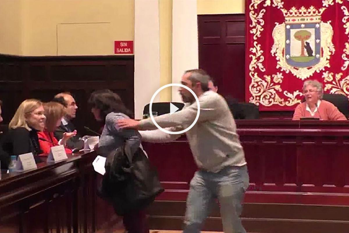 Amenazas hacia los vocales del PP en el Pleno de Tetuán.