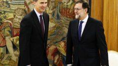 Mariano Rajoy, con Felipe VI, en Zarzuela.