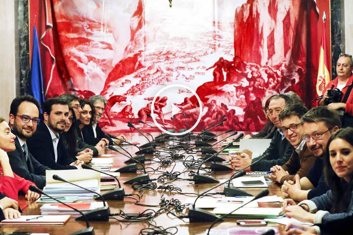 Los equipos negociadores, en la mesa (Foto: EFE)