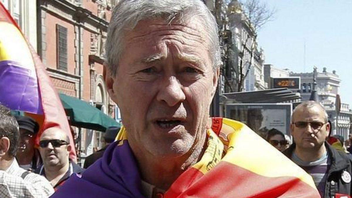 Jorge Verstrynge en una manifestación. (Foto: EFE)