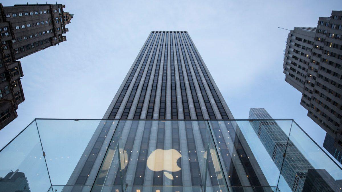 Tienda en New York de Apple, empresa que acaba de lanzar una gran emisión de bonos (Foto: GETTY).