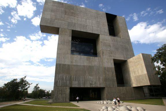 Alejandro Aravena, premio Pritzker por la construcción de viviendas sociales en Chile